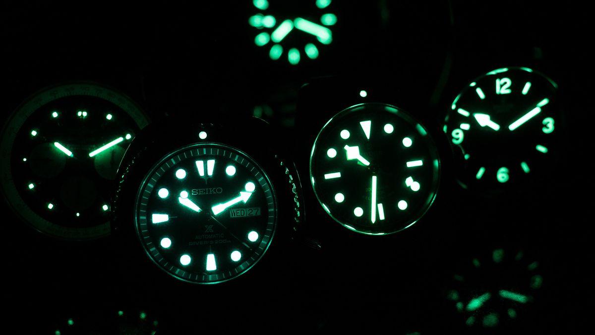 Фотолюминесцентные часы